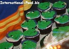 Cupcakes with Green Dinosaur Frosting